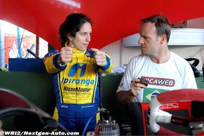 Рубенс Баррикелло получает уроки вождения от Биа Фигейредо во Флорианополисе 2011