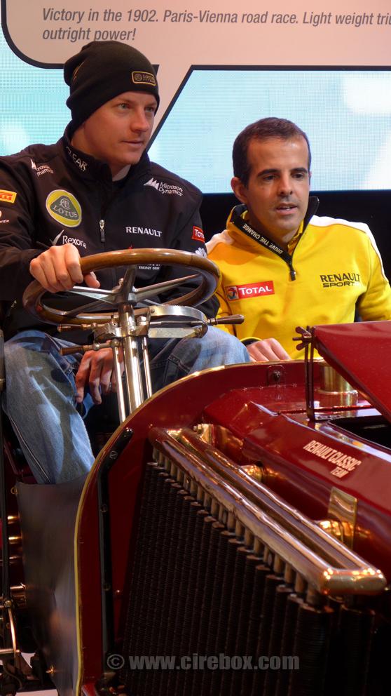 Кими Райкконен за рулем старого Renault - март 2013