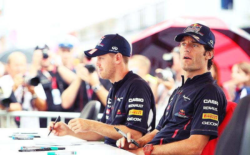 Себастьян Феттель и Марк Уэббер на автограф-сессии Гран-при Венгрии 2012