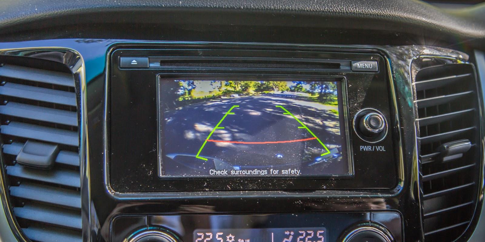 Camera lùi được trang bị trên xe như là trang bị tiêu chuẩn