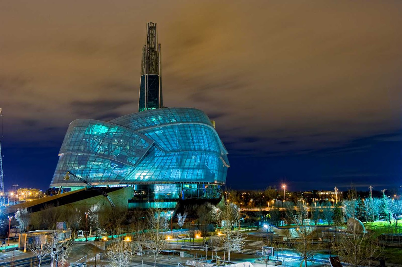 Winnipeg, Manitoba, Canada: [CANADIAN MUSEUM FOR HUMAN RIGHTS BY ANTOINE PREDOCK ARCHITECTS]