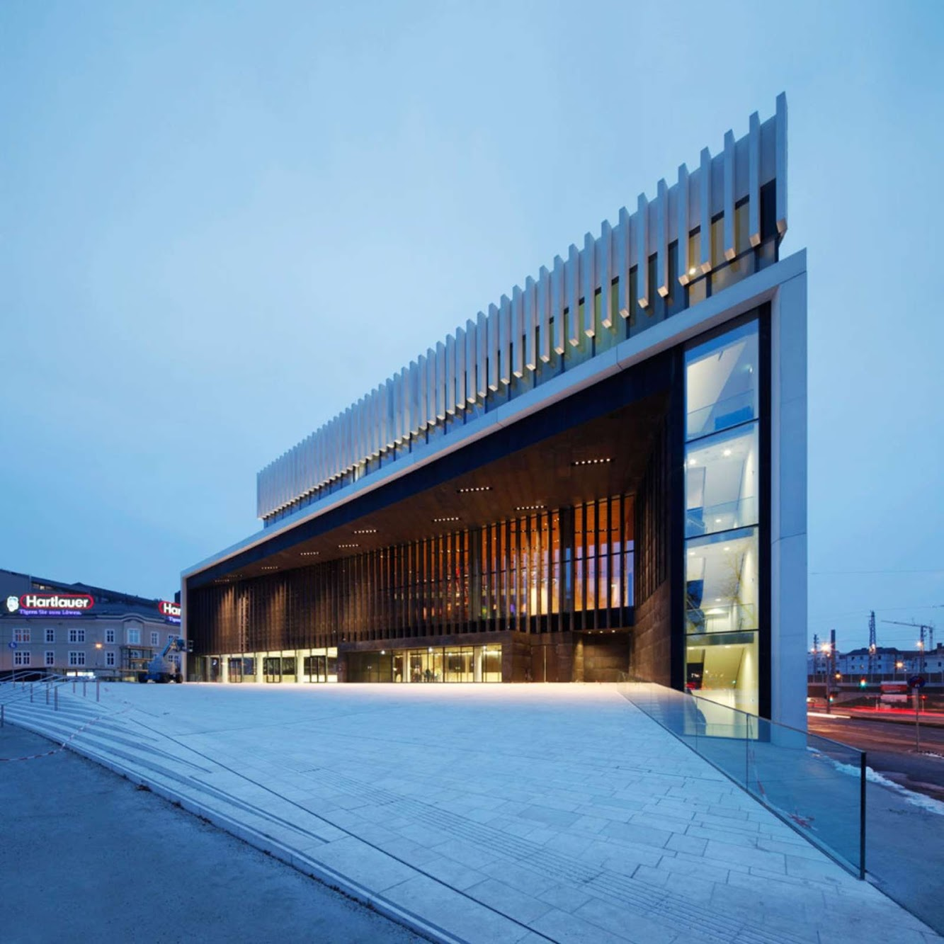 Linz, Austria: Opera House Linz by Terry Pawson Architects