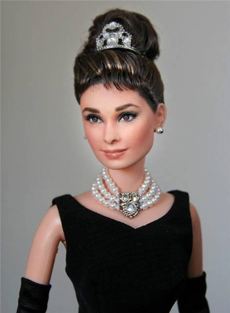 кукла одри хепберн – ноэль круз