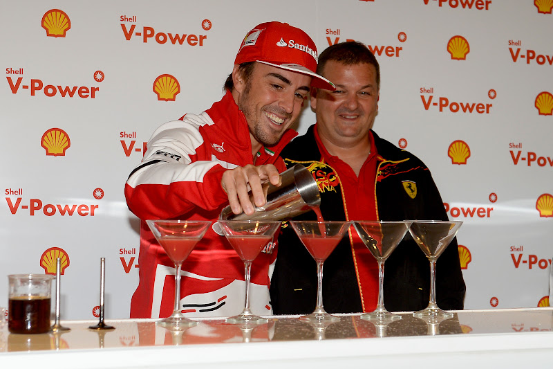 Фернандо Алонсо на коктейльной вечеринке Shell на Гран-при Канады 2013