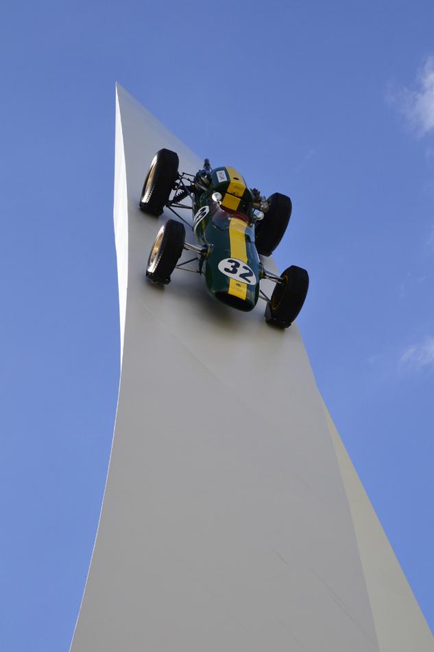 Lotus 32B Джим Кларк 1965 - Скульптура Джерри Иуды на Фестивале скорости в Гудвуде 2012