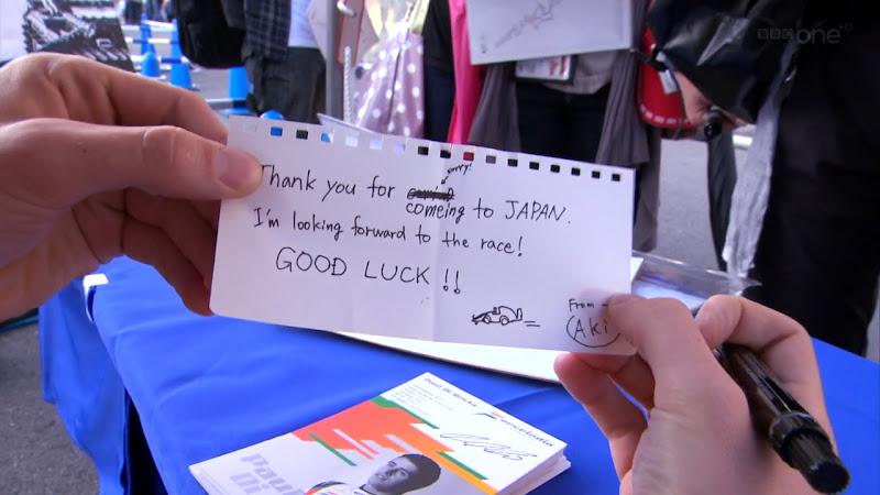 сообщение от болельщицы Aki для Пола ди Ресты на автограф-сессии на Гран-при Японии 2011