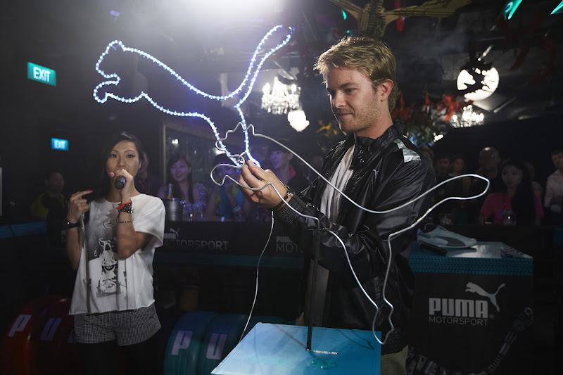 Нико Росберг Puma Buzz Challenge на Гран-при Сингапура 2012