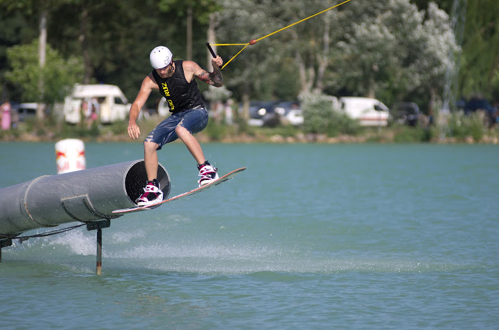 Da Ghetto Pipe TNG Wakeboard Wakeskate Wake and Country 2012 L'Isle Jourdain