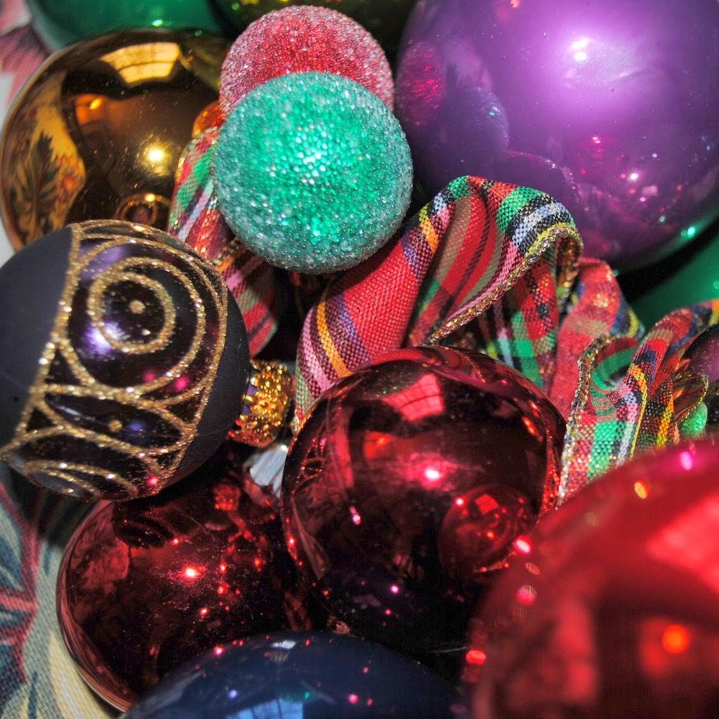 OWR8029 Festivus Christmas Oranment Wreath