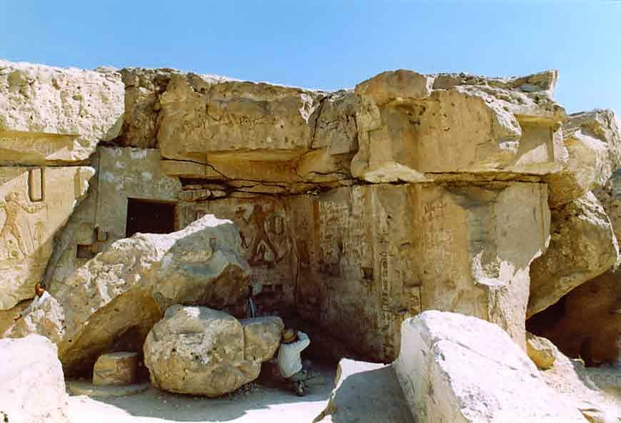 Egyptian tomb falls victim to looters