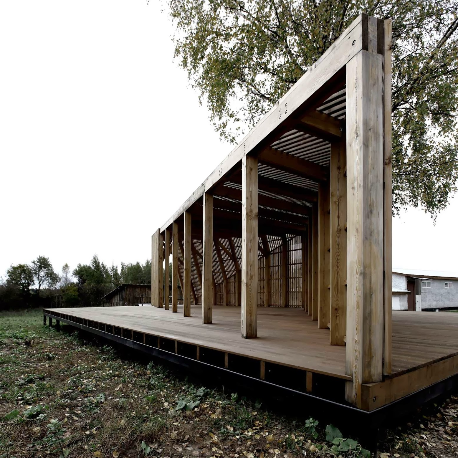 Mosca, Russia: [SUMMER HOUSE BY KHACHATURIAN ARCHITECTS]