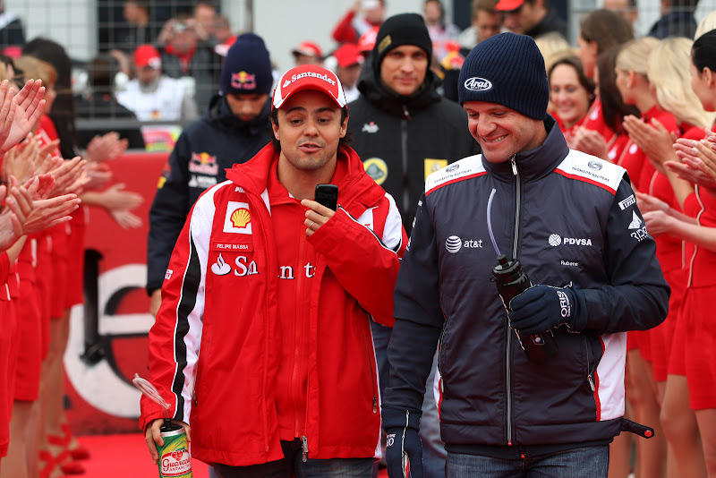 Фелипе Масса и Рубенс Баррикелло на параде пилотов Нюрбургринга на Гран-при Германии 2011
