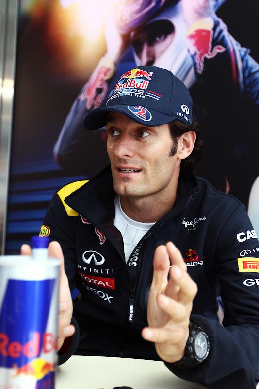 Марк Уэббер дает интервью на Гран-при Бельгии 2011