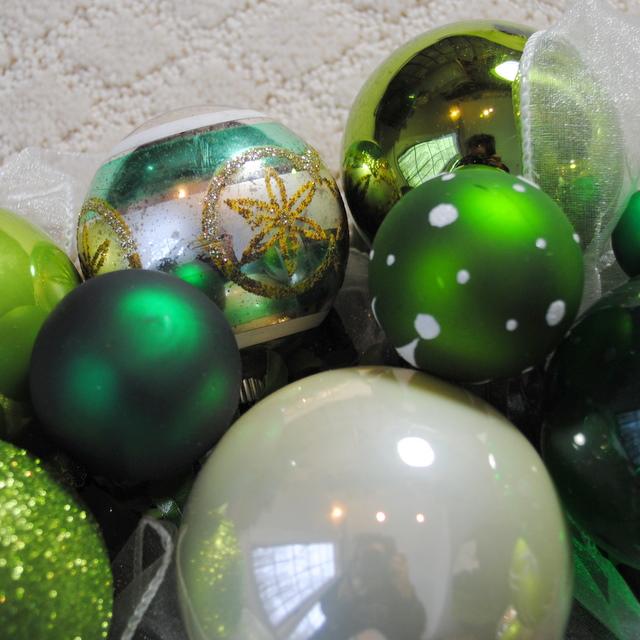 OWR8031 Spearmint Christmas Ornament Wreath