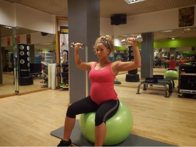 Упражнения для беременных 2 триместр с гантелями 658