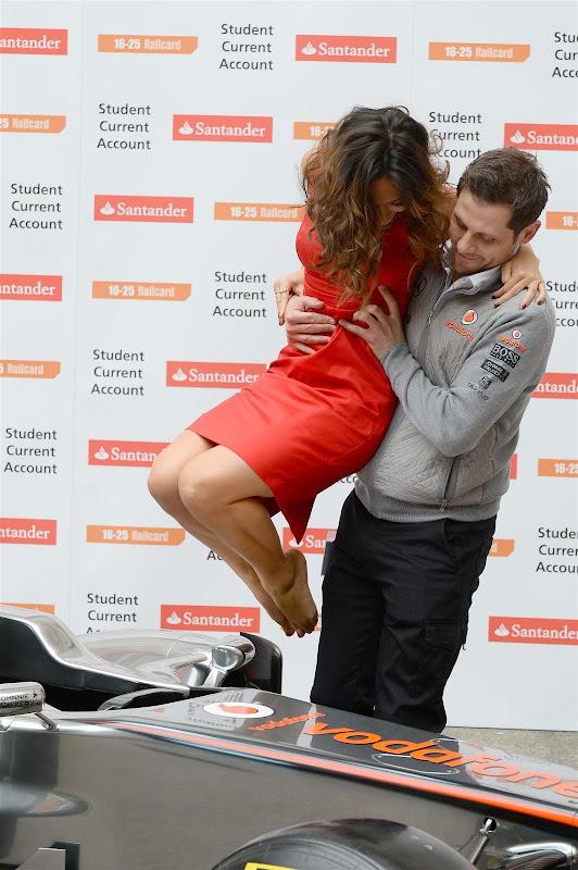 британская певица Майлин Класс на спонсорском мероприятии Santander перед Гран-при Великобритании 2013