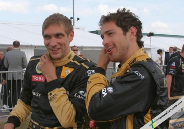 Виталий Петров и Бруно Сенна на Гран-при Бельгии 2011
