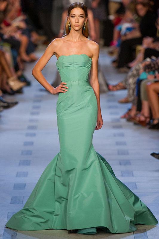 платье цвета хэмлок Hemlock Pantone 15-6114