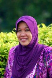Puan Norana Restoran Permata Hidayah Nasi Ayam Penyet