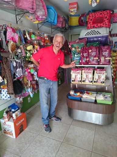 Pet Shop Labrador, Avenida Cristo Rei, QD 48, LT 13, 253 - St. Jao, Goiânia - GO, 74673-030, Brasil, Loja_de_animais, estado Goiás