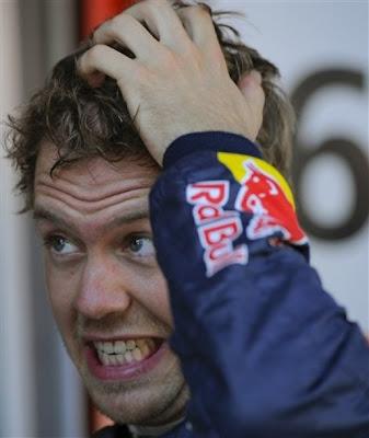 Себастьян Феттель чешет репу в пятницу на Гран-при Испании 2012