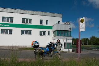Pred MZ tvornicom