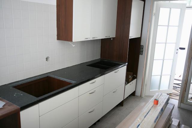 Kuinka asentaa keittiön kaappien