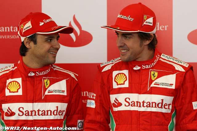 улыбающиеся Фелипе Масса и Фернандо Алонсо на Гран-при Китая 2012