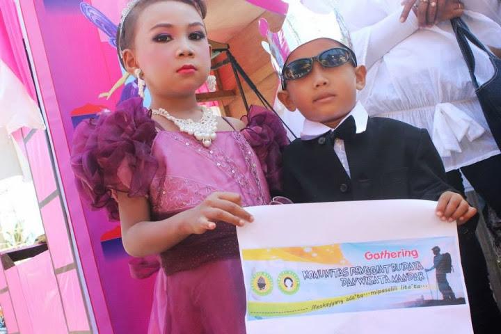 karnaval anak majene 2013 kompa dansa mandar
