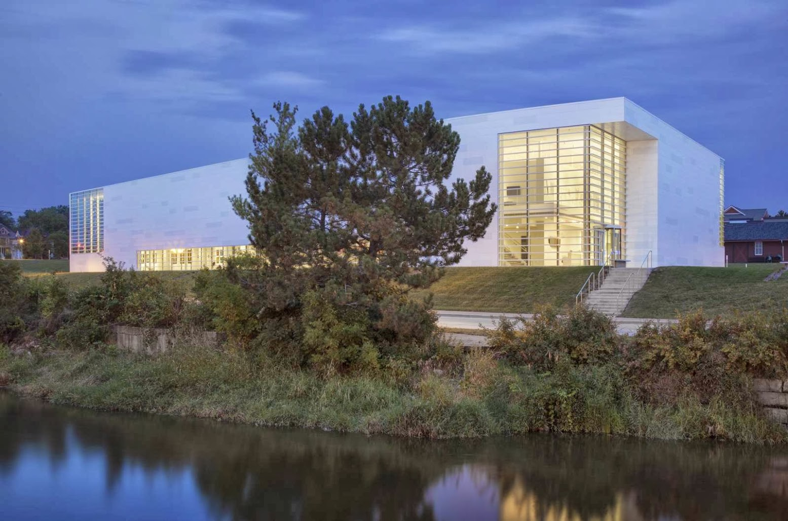 Museum of Wisconsin Art by HGA Architects and