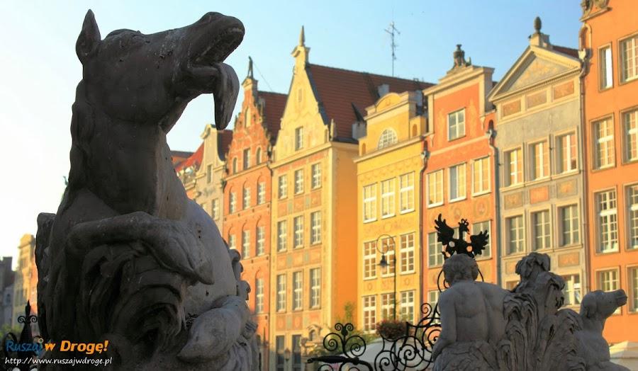Figury na Fontanie Neptuna w Gdańsku