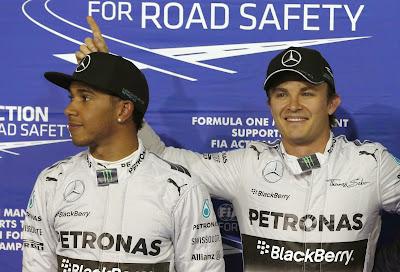 Нико Росберг выигрывает поул у Льюиса Хэмилтона на Гран-при Бахрейна 2014