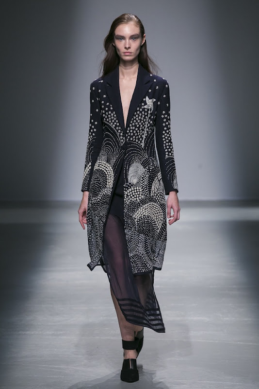 Rahul Mishra Ready to Wear Fall Winter 2015 fashion show in Paris