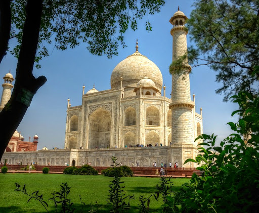 Enjoy A Sojourn Agra Holiday At The Best Hotels In Agra