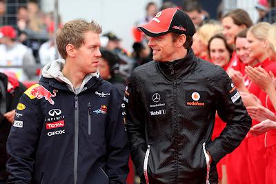 Себастьян Феттель и Дженсон Баттон на параде пилотов Нюрбургринга на Гран-при Германии 2011