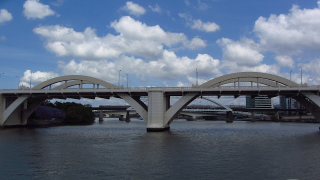 Many bridges cross the Brisbane River - more than any other city in Australia!
