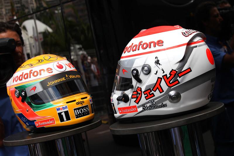 шлема Льюиса Хэмилтона и Дженсона Баттона с бриллиантами Steinmetz Diamonds специально для Гран-при Монако 2011 представлены прессе