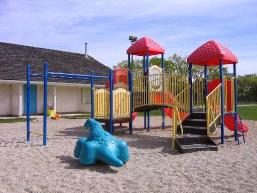 Tuxedo Community Centre, 368 Southport Blvd, Winnipeg, MB R3P 0S9, Canada, Community Center, state Manitoba