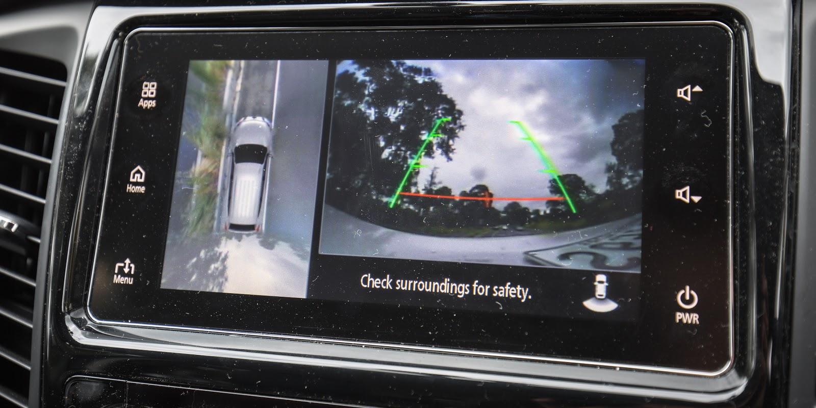 Tính năng hỗ trợ quan sát và giả lập 360 độ trên xe rất thuận tiện
