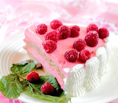 Торт со взбитыми сливками и малиной рецепт