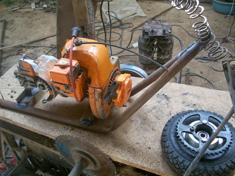 Мотоцикл из бензопилы дружба своими руками