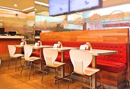 A Chapa Hamburgers- Itaim Bibi, R. Dr. Renato Paes de Barros, 198 - Itaim Bibi, São Paulo - SP, 04530-000, Brasil, Loja_de_sanduíches, estado São Paulo