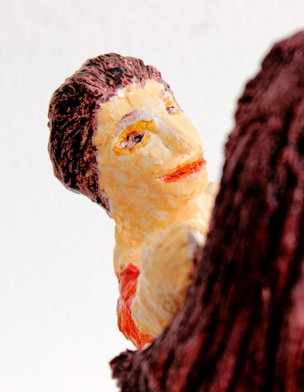 mare de déu amb el nen sostenint una poma (beeld van frank waaldijk, detail kindeke)