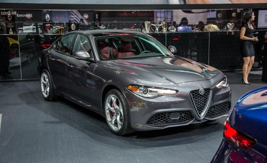Giulia 2017 hứa hẹn sẽ mang thương hiệu Alfa Romeo phổ biến trở lại