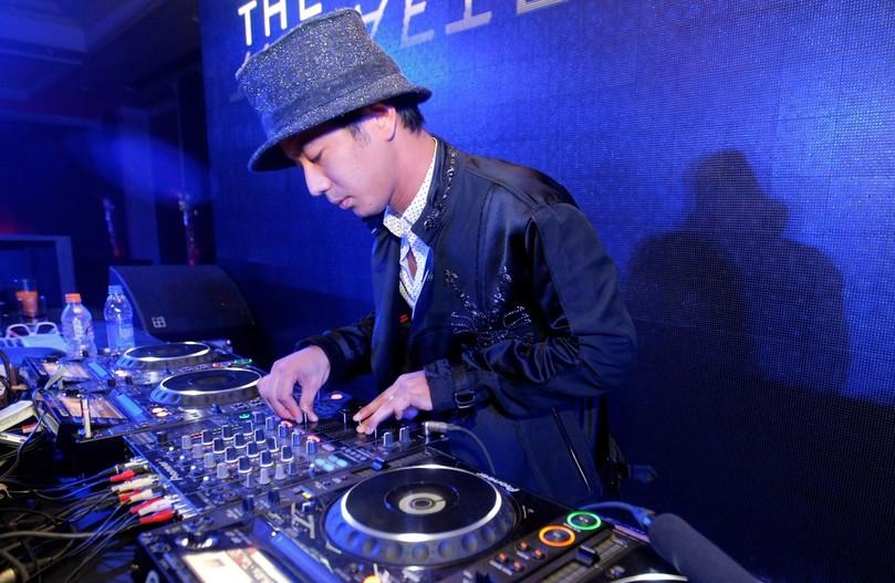 DJ Сакон Ямамото на F1 Rocks Afterparty Гран-при Индии 2011