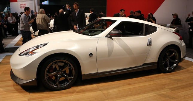 nissan stages u s debut of juke nismo 2014 370z nismo and gt r track edition in chicago. Black Bedroom Furniture Sets. Home Design Ideas