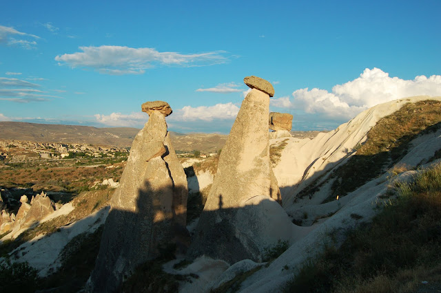 Турция: Каппадокия, смешные природные формы