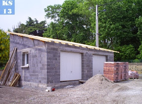 Construction garages abris de jardin saint mitre les for Construction garage parpaing