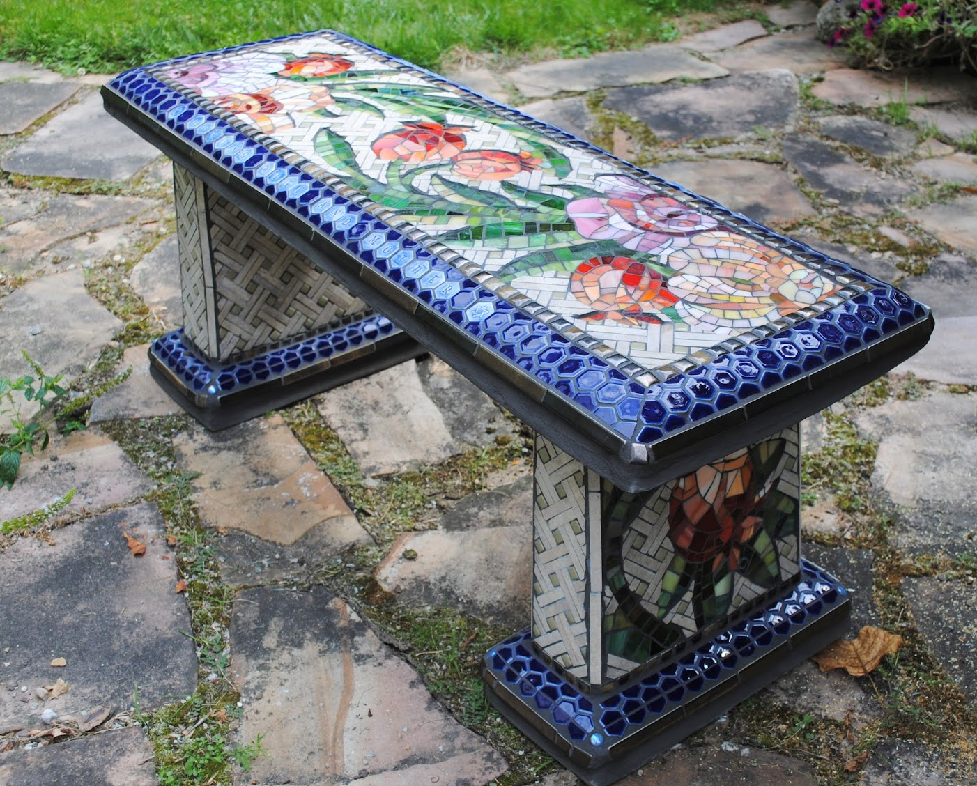 Mosaic garden benches beads pieces for Garden mosaics designs