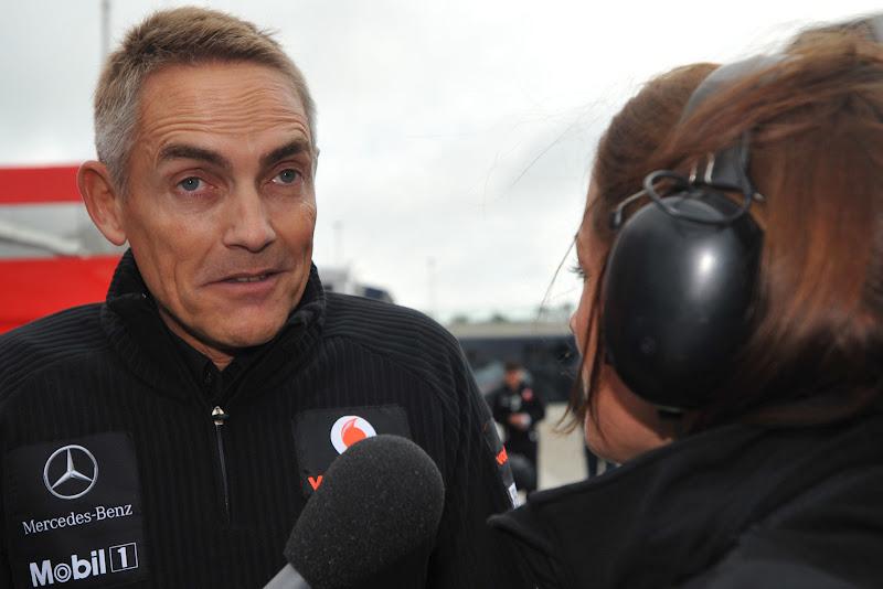 Мартин Уитмарш дает интервью на Гран-при Великобритании 2011 в Сильверстоуне
